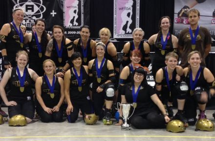 Rideau Valley Vixens with their medals at the WFTDA D2 Playoffs